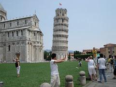 Aksi-Aksi Manusia Di Depan Tower of Pisa, Pisa, Italy