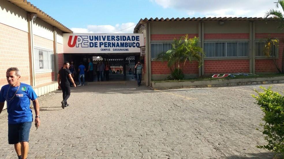 UPE abre concurso com vagas para nível superior, técnico e médio em diversos pontos do estado (Foto: André Vinícius Ferreira/TV Asa Branca)