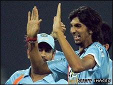 Ishant Sharma (right) is congratulated after dismissing Sanath Jayasuriya