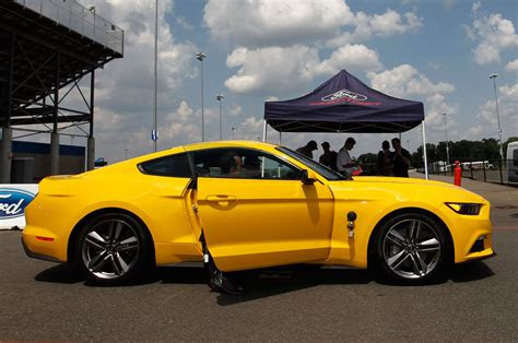 ford mustang ecoboost   ride