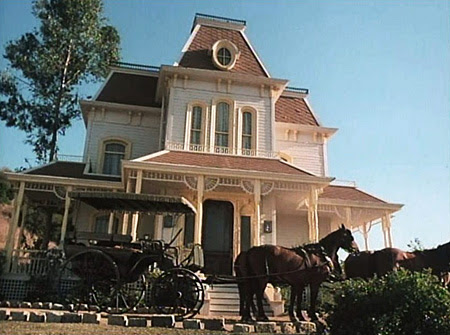 Psycho House in Captains and the Kings (1976)