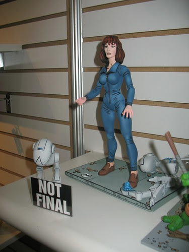 NECA's TMNT .. April O' Neil and Mouser ..// U.S. Toy Fair 2008    [[Courtesy Toy Traderz.com ..via & thanks to Jason Frazier]]
