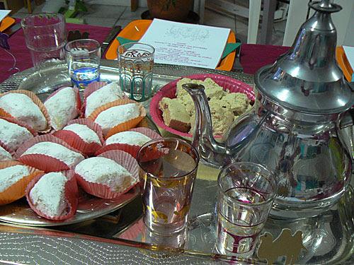 thé et gâteaux.jpg