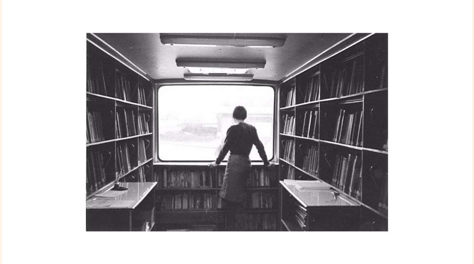 ¿Busca un libro? Así eran las tatarabuelas de las bibliotecas digitales, iban sobre ruedas