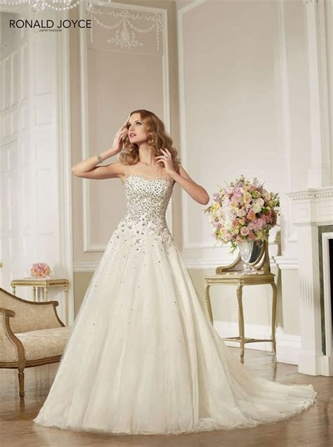 Gallery ? The Ronald Joyce 2013 wedding dress collection