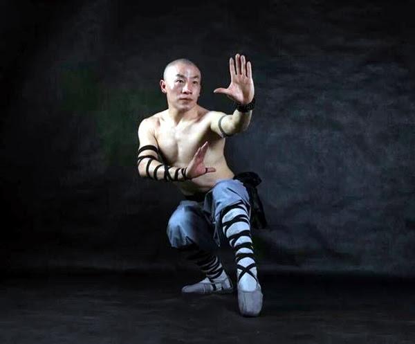 Shaolin monk Martial Art Demonstrations (2)