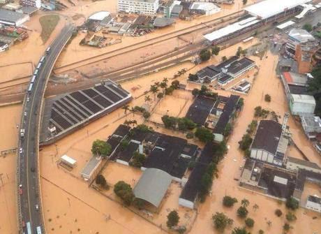 Veja os estragos causados pelo temporal histórico que atingiu SP
