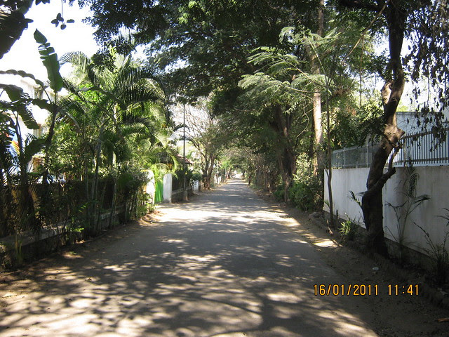 Green, calm and quiet Ram Indu Park on main 100 feet Baner Road in Pune is the location of A J Serene, 3 & 4 BHK Duplex