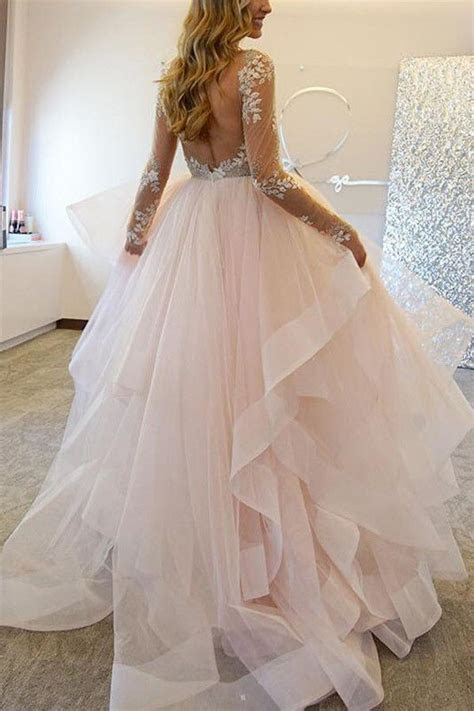 Best 20  Tulle Wedding Skirt ideas on Pinterest   Wedding