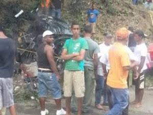 Dos menores mueren y tres personas heridas en accidente en Laguna Salada
