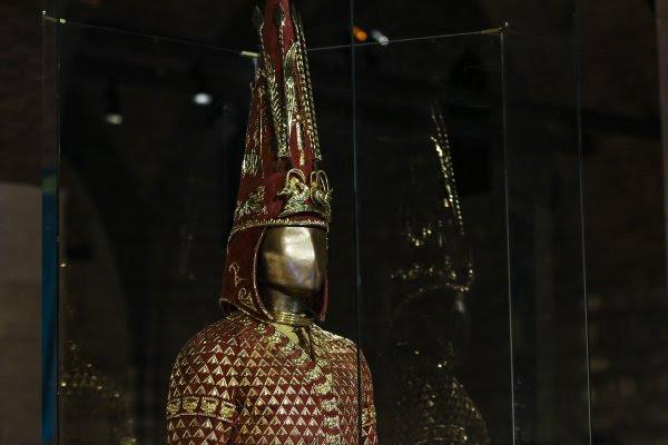 2500 yıllık 'Altın Elbiseli Adam' Türkiye'de sergileniyor