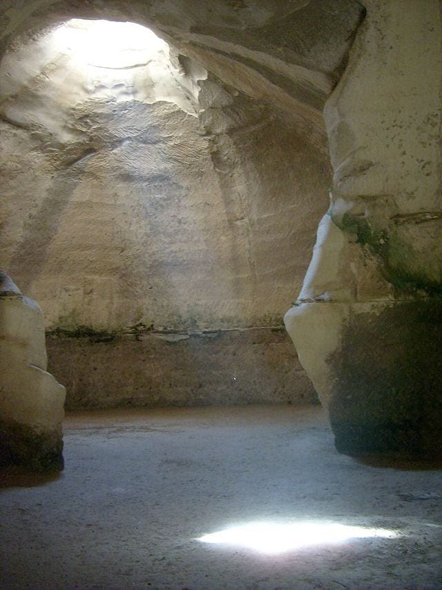 The caves at Beit Guvrin (Photo: Wiki Commons)