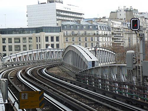métro à Sèvres-Lecourbe.jpg
