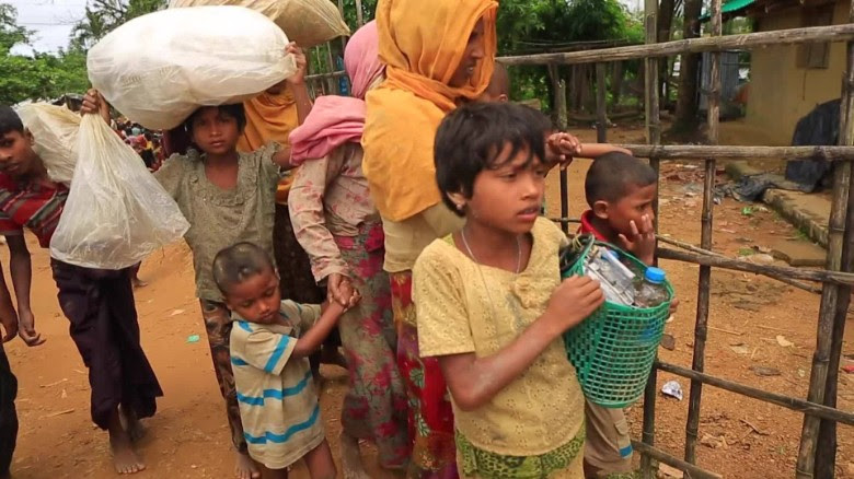 rohingyas flee myanmar stout pkg_00031313