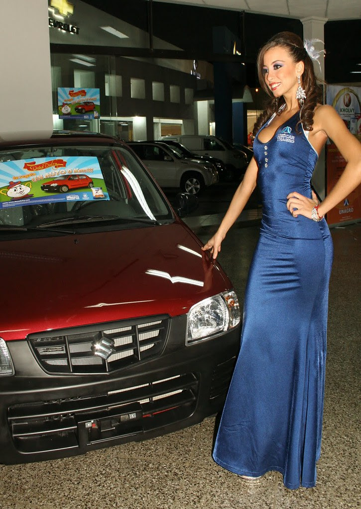 Laura Walzer de anfitriona en un evento / Laura Walzer hostess at an event