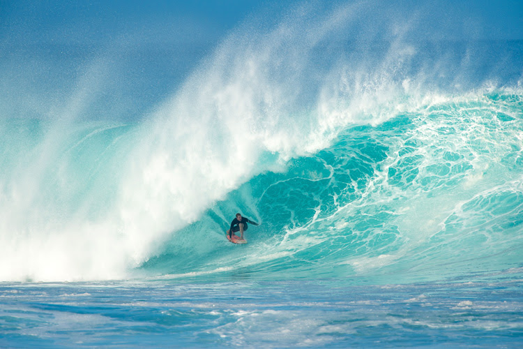 Seven Mile Miracle: Banzai Pipeline is a wave of consequence | Photo: Trevor Moran/Red Bull