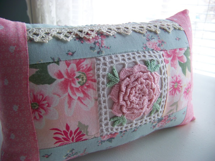 Cotton Cottage Chic Pillow