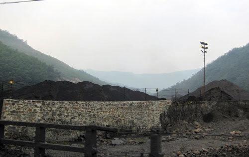 xuất-khẩu-than, Vinacomin, nhập-than, khoảng-sản, thiếu-than, bauxite, TKV, giá-than, khai-thác, nhập-lậu