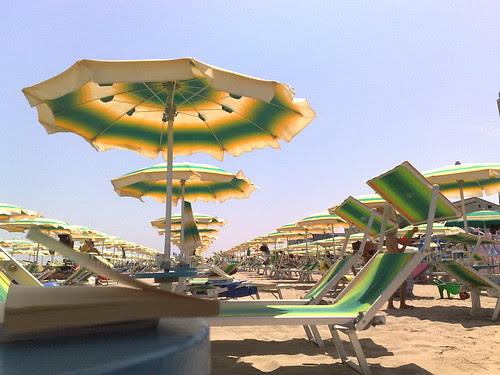 Mezzogiorno sulla spiaggia by durishti