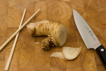 File:Galangal ready for preparation.png