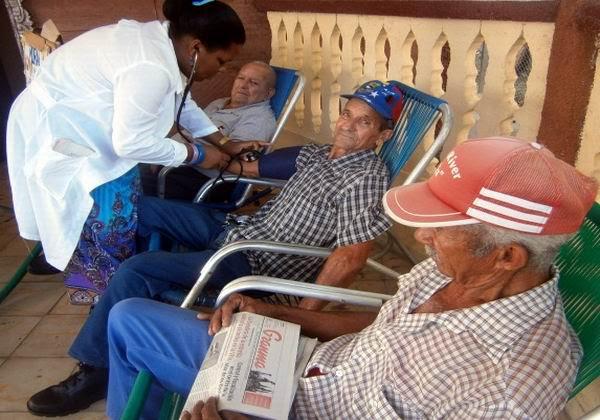 Atención al adulto mayor en Cuba, una prioridad