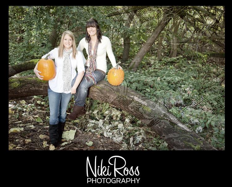 2girls-portrait-pumpkins1