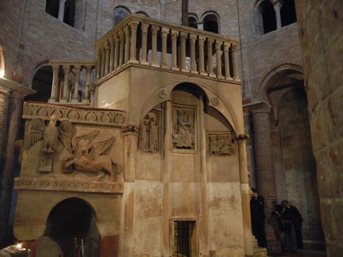 DSCN4881 _ Basilica Santuario Santo Stefano, Bologna, 18 October