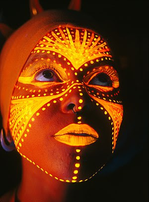 Black light bodypainting with fluorescent pain...
