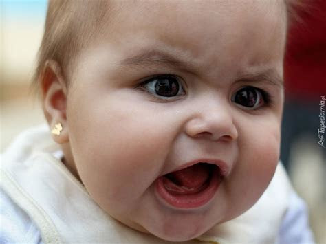 zdenerwowana mala dziewczynka