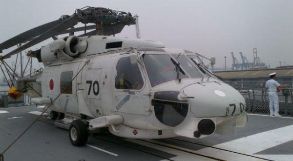 Helikopter di kapal perang Jepang (Foto: Aulia Akbar/Okezone)