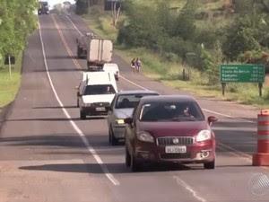 Lei prevê multa e pontos na carteira em caso de infração (Foto: Reprodução/TV Bahia)