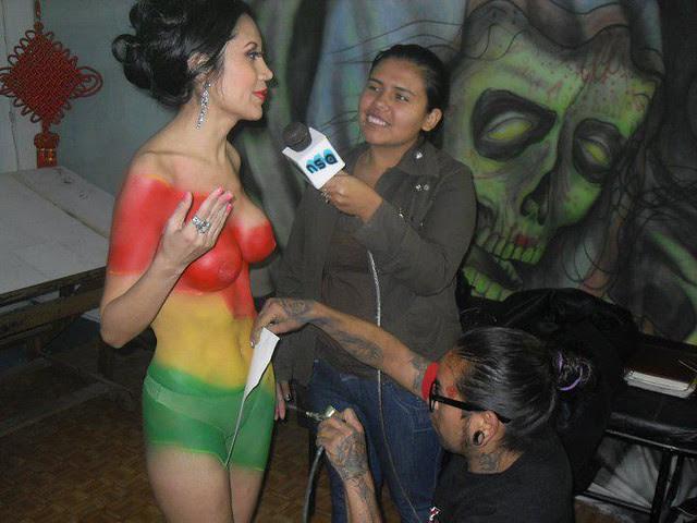Semidesnudo y cuerpo pintado de Romy Villanueva (Foto 4)