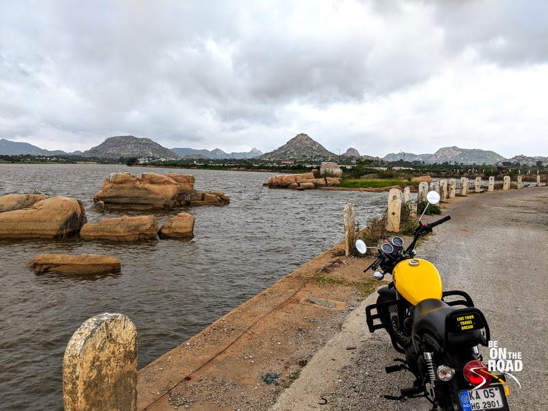 Motorcycle trip pitstop - Byrasagara Lake