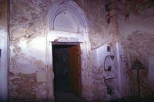 Η εξώθυρα της εκκλησίας του Αγίου Αντωνίου στα Αγγελιανά