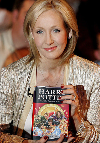 http://resources3.news.com.au/images/2008/10/06/va1237334034240/J-K-Rowling-with-her-Harry-Potter-book-6286072.jpg