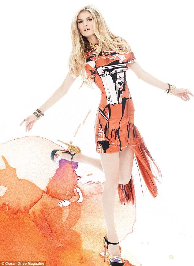 Off-beat beleza: Miller foi criado como menina levada pelos pais hippie em Santa Cruz, Califórnia