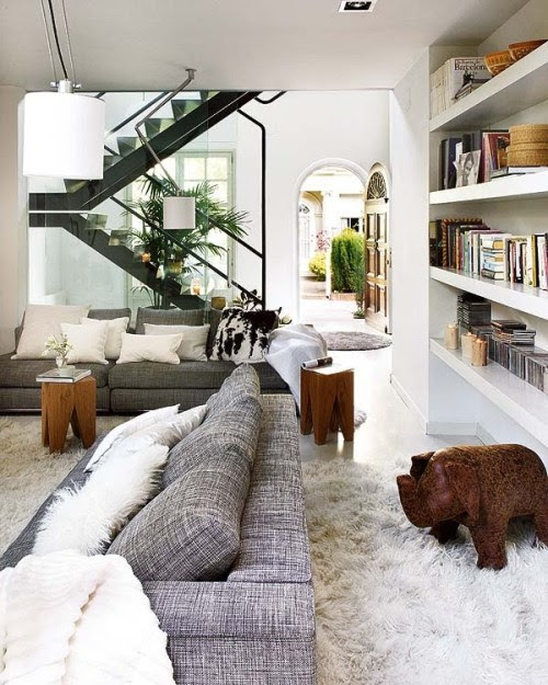 Light And Airy Interior Of A Classic Style House In Barcelona ...