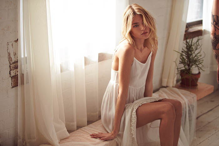 free people valentines day3 Martha Hunt Poses for Free People Valentines Day Shoot