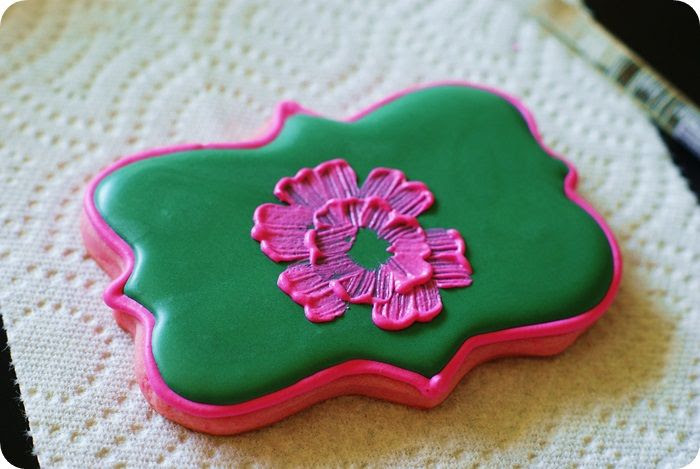 bright pink cookies for fall, tutorial :: bake at 350 blog