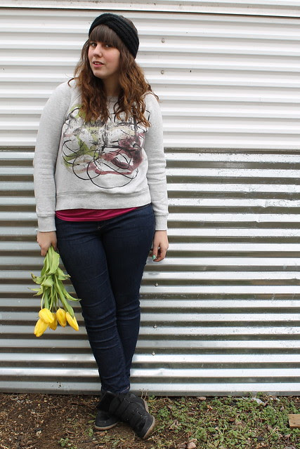 Tulips and turban outfit: black sneaker wedges, skinny jeans, magenta tank, Proenza Schouler for Target sweatshirt, hand-knitted turban headband