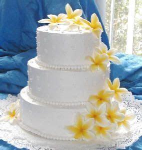 Wedding cake inspiration: Frangipani, yellow with white