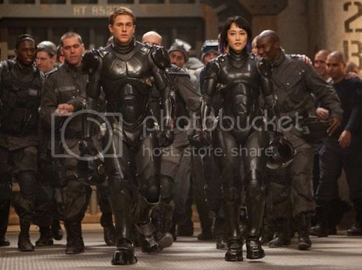 Pacific Rim photo: The new Robocop suit looks like it was from Pacific Rim pacific-rim-movie-photos.jpg
