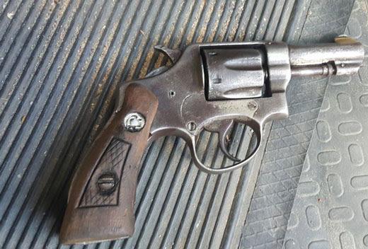 revolver32