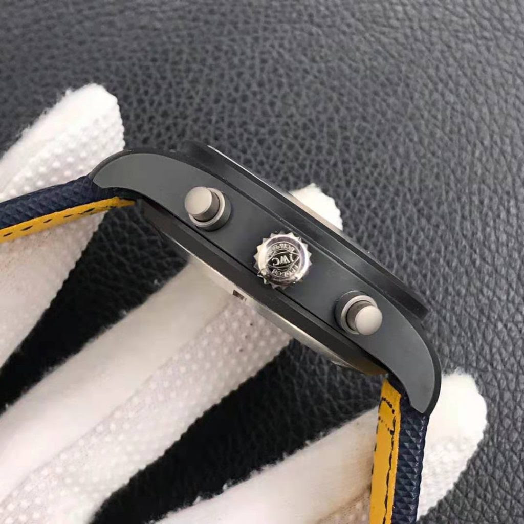 IW389008 Crown