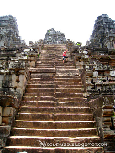 sandstone steps of Ta Keo