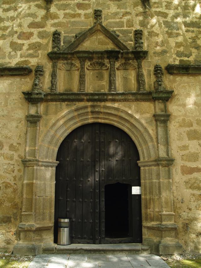 Yuste. Portada iglesia..TIF