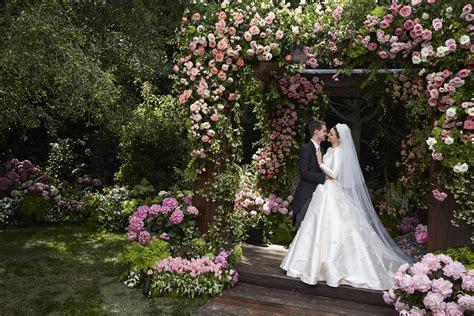 Miranda Kerr?s Wedding Dress: An Exclusive Look at Her