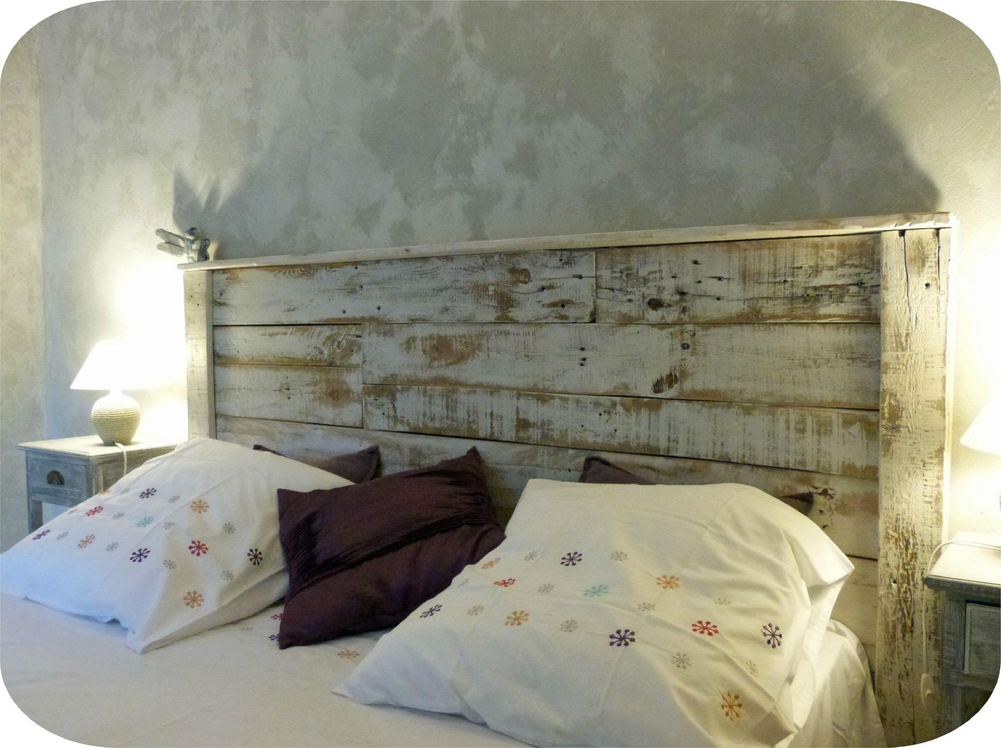 t te de lit avec palette en bois id e r cup ne jetez plus vos palettes. Black Bedroom Furniture Sets. Home Design Ideas