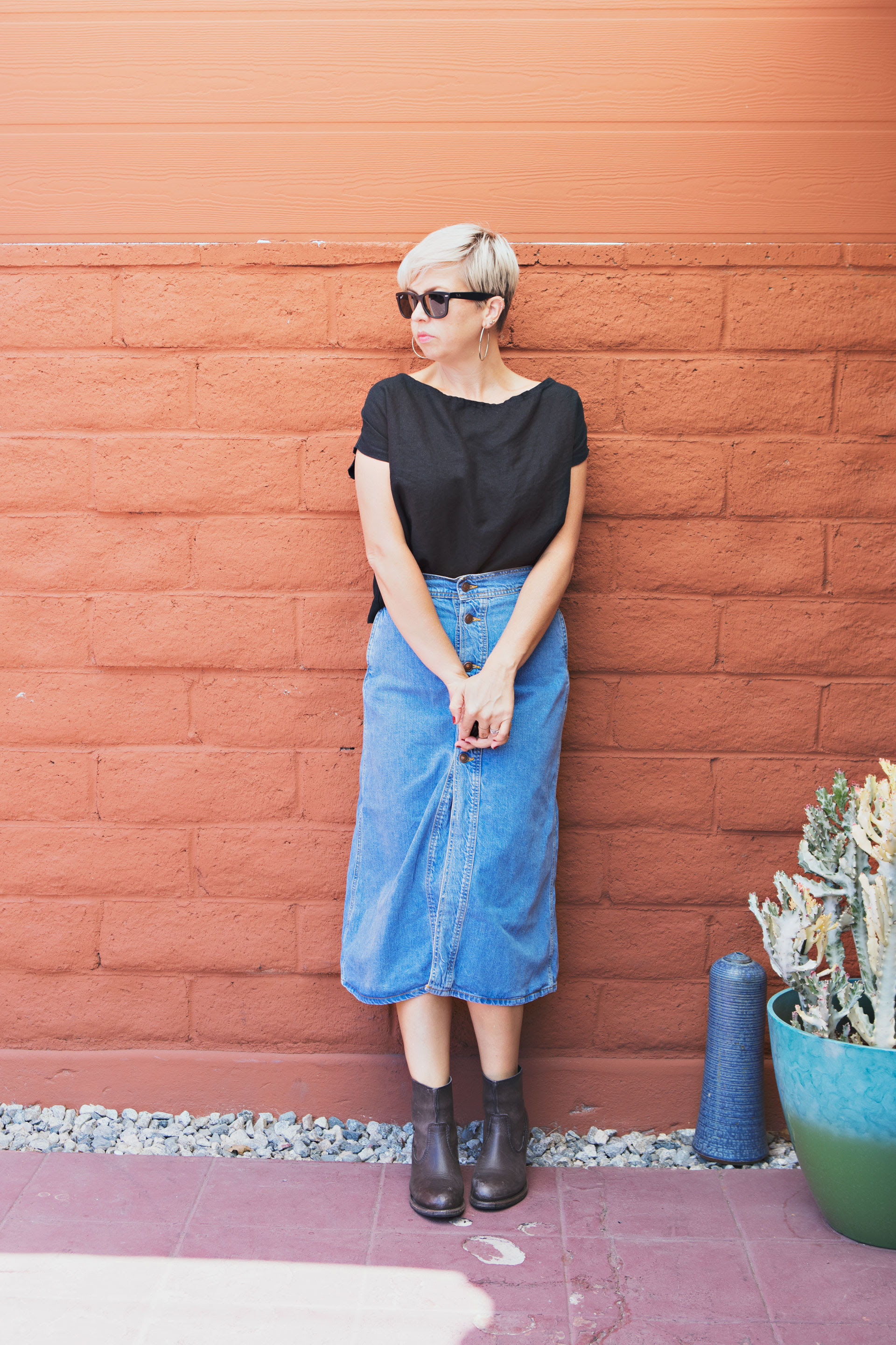 5 ways to style a long denim skirt  this mom's gonna snap
