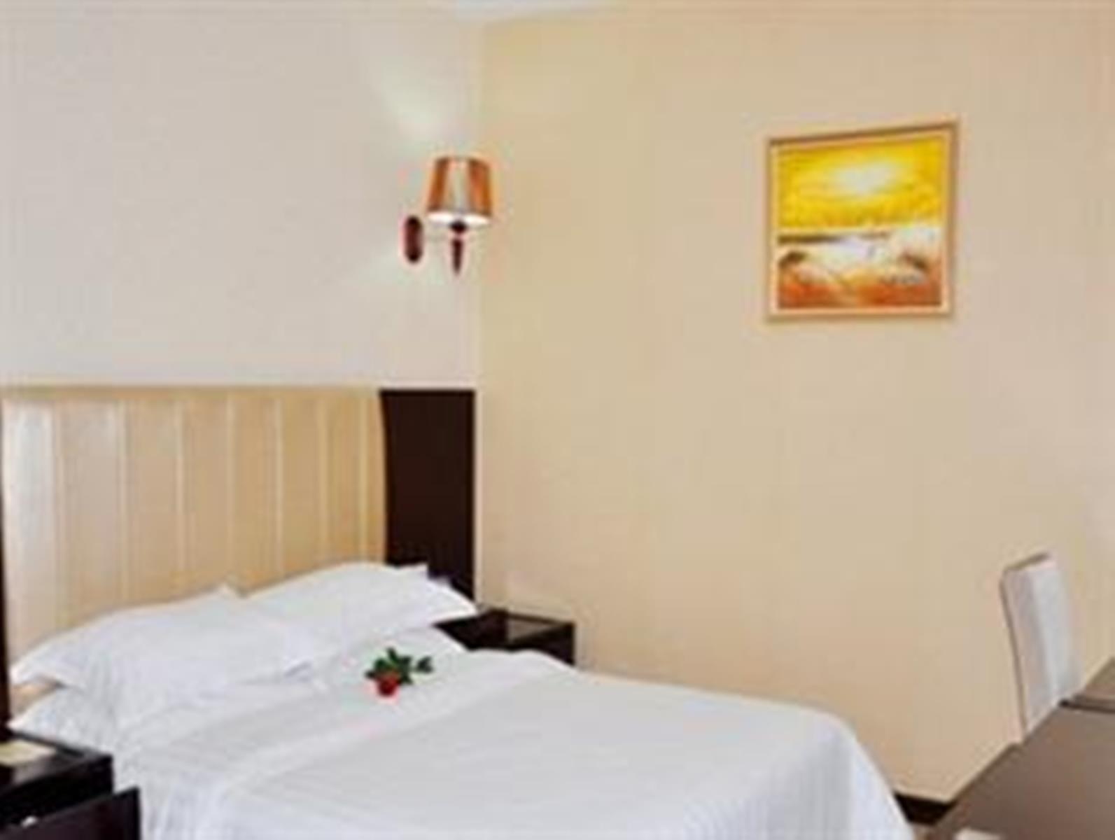 Price Baike Hotel
